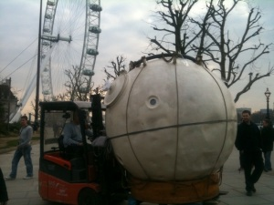Capsule en route to Royal Festival Hall